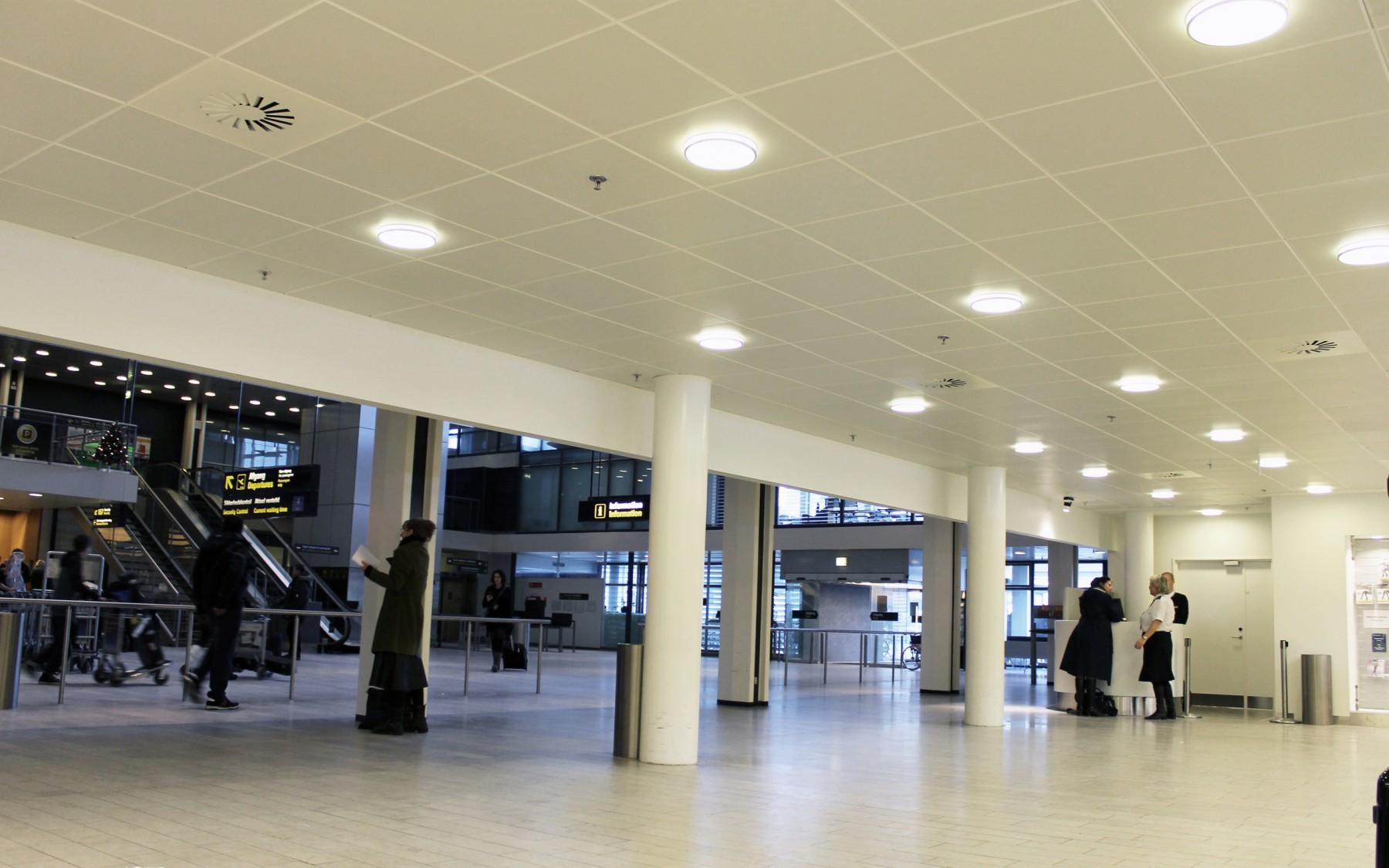 Copenhagen Airport - DAMPA Clip-in bevelled edge