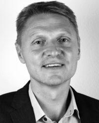 Lars Stockholm, Customer Service