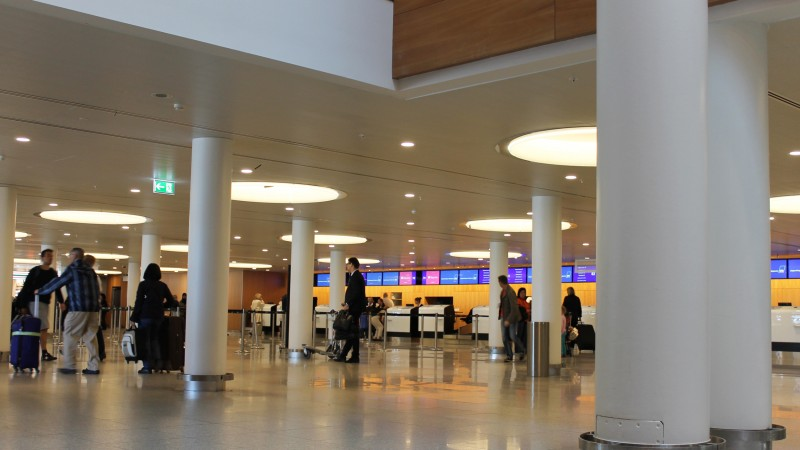 CPH Airport, Terminal 2, Planostile Clip-In Clip-In (200x1200), white acoustic felt, Perforeret around the edge.